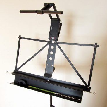 Uberlite 100 Folding Music Stand with Manhassett Accessory Shelf